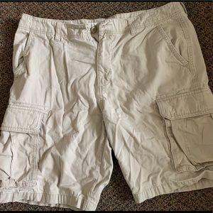 Old Navy Cargo Shorts size 38